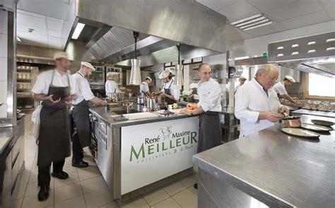 la cuisine des mousquetaires anguille d 233 couvrir la vie en cuisine d un restaurant triplement 233 toil 233