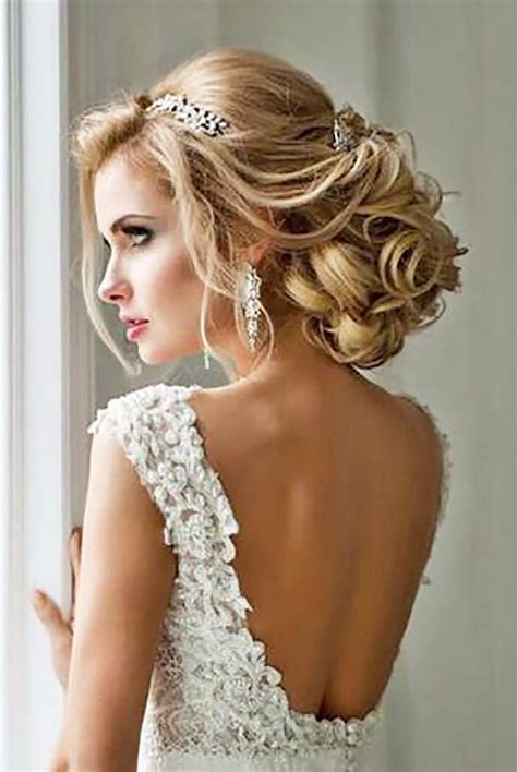 30 Enchanting Bridal Hair Accessories To Inspire Your
