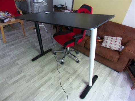 ikea pied de bureau achat d 39 un bureau assis debout bekant chez ikea de tournus