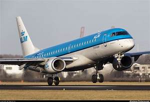 PH EZP KLM Cityhopper Embraer ERJ 190 (190 100) at Amsterdam Schiphol Photo ID 117093