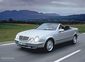 Mercedes Clk Cabriolet : mercedes benz clk cabrio a208 specs photos 1998 1999 autoevolution ~ Medecine-chirurgie-esthetiques.com Avis de Voitures
