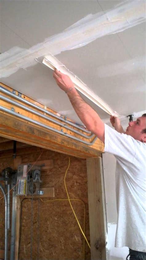 mud  tape drywall ceilings step  applying