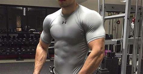 muscles  bigger  lifting weights