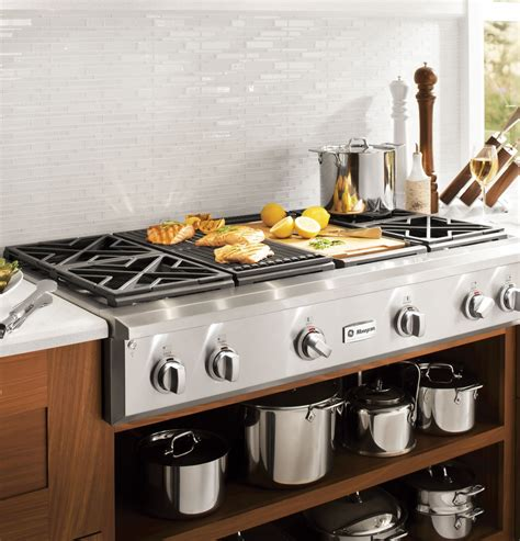 zgungpss monogram  professional gas rangetop   burners grill  griddle natural
