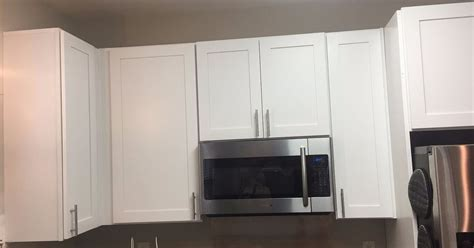 crown molding on top of kitchen cabinets kitchen cabinet crown molding make them fancy hometalk 9833