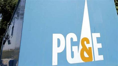 Pg&e Restoring Power To Brentwood Neighborhood After Hit