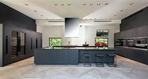 Italian European Custom Luxury Modern Contemporary Kitchen
