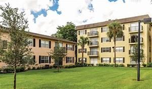 Plantation gardens apartment homes rentals plantation for Plantation gardens apartments