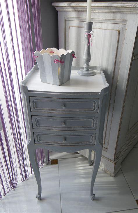 chevet en chene ancien  tiroirs patine gris blanc