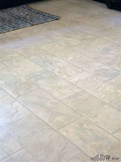 Repairing Nicks and Scratches in Linoleum or Vinyl