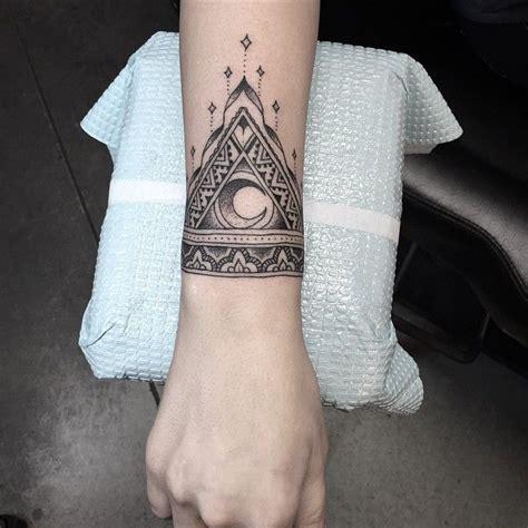 tatouage bracelet cheville mandala