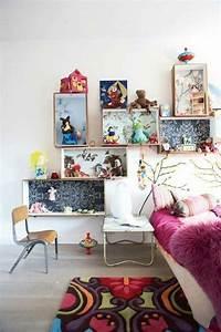 Libreria e scaffali per camerette con il riciclo creativo