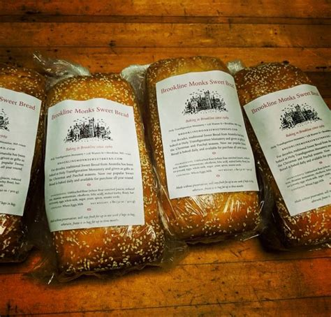Breakfast (ἀκρατισμός akratismós) consisted of barley bread dipped in wine (ἄκρατος ákratos), sometimes complemented by figs or olives. Brookline Monks Sweet Bread | Sweet bread, Barley flour, Malted barley