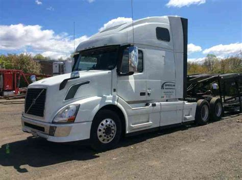 volvo big truck volvo vnl 670 2014 sleeper semi trucks