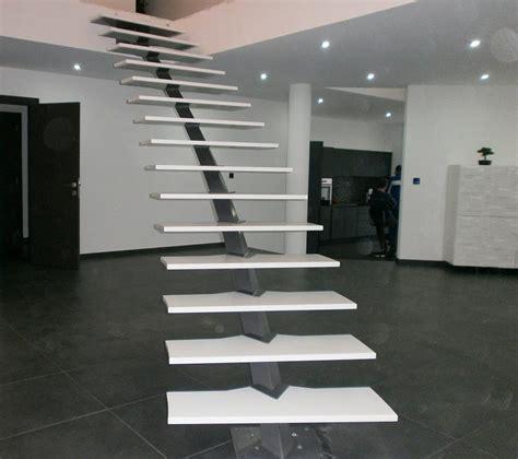 comment decorer une cage d escalier maison design