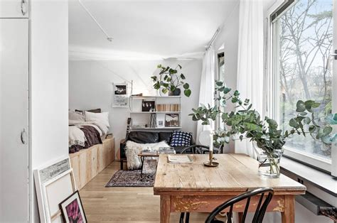Right Way Small Studio Apartment by Tiny Dreamy Studio Apartment With A Raised Bed Daily