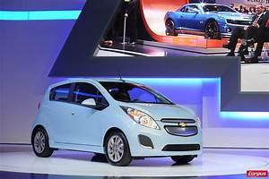 Chevrolet Spark Coffre : chevrolet spark la version lectrique met l 39 essence l 39 amende salon de gen ve 2013 ~ Medecine-chirurgie-esthetiques.com Avis de Voitures