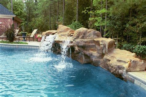 Schoene Gartenidee Mit Aussenwand Wasserfall by Wasserfall Im Garten Selber Bauen Und Die Harmonie Der