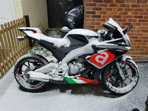 aprilia rs4 50 aprilia rs4 50 50cc learner for 16 year in woodford green gumtree
