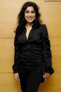 Actress Hot Photos  Anjala Zaveri Hot