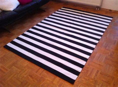teppich messe hannover 2015 teppiche teppich neu schwarz weiß gestreift streifen webteppich