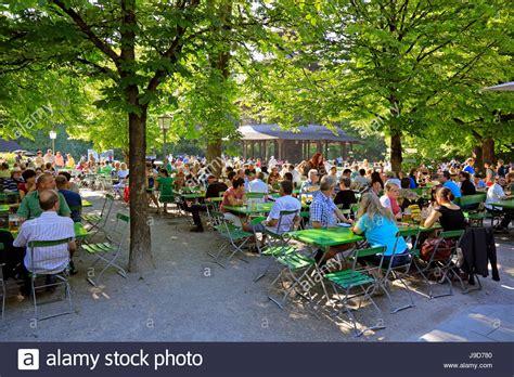 Garten Kaufen München by Biergarten Am Chinesischer Turm Im Englischen Garten