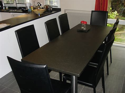 cuisine plan de travail marbre granits déco table en granit noir finition brossée