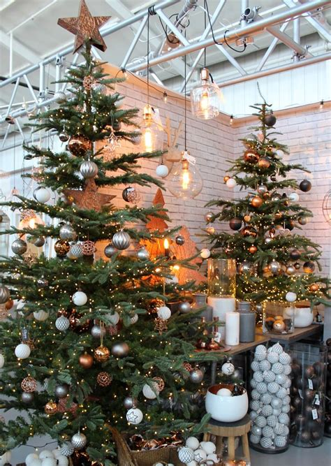 ideas  industrial christmas decorations