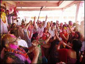 Holi Festival: Students & Youth Spread Colour And ...