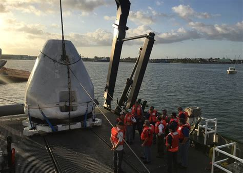 spacexs crew dragon spacecraft recovery ship