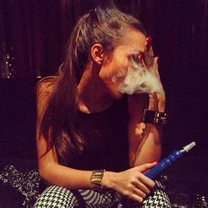 girl smoking hookah | Tumblr