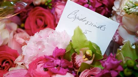 tips  picking  bridesmaid bouquet wedding flowers