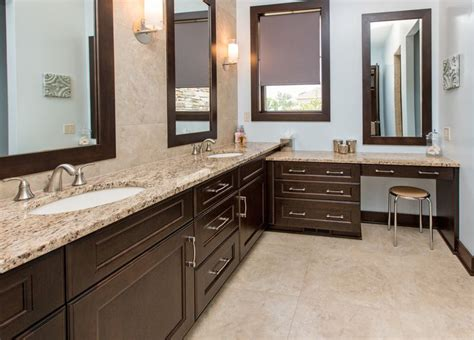 Light Colored Granite For Bathroom by A Great Combination Of And Light Venetian Gold