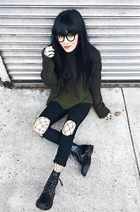 11 Cool Outfit ideas for March | Fishnet tights Dr martens and Fishnet