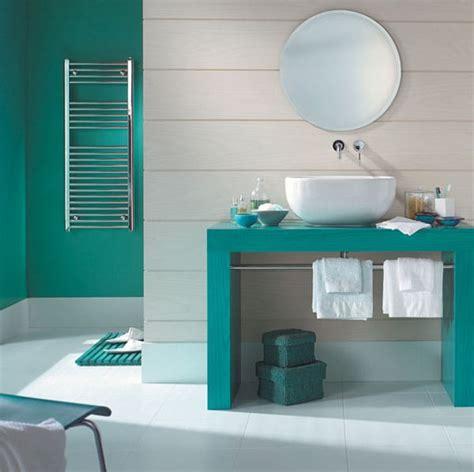 cuisine blanche et bois 19 tendance une salle de bain en turquoise 69061 kitchens decoration