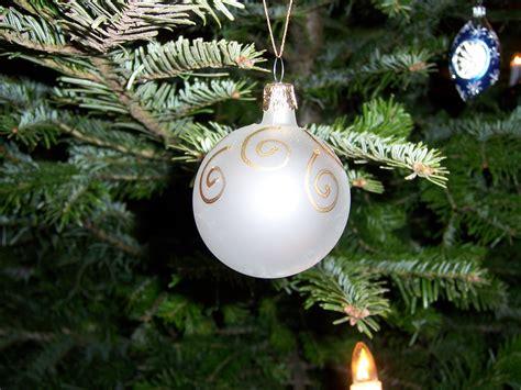 white ornament christmas wallpaper 519015 fanpop