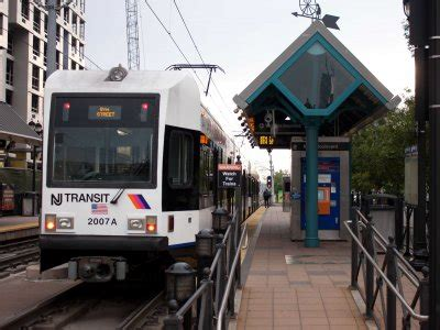 jersey city light rail 31 reasons why everyone who lives in new york should
