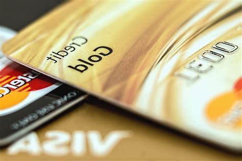 Online payments are easy to make and what about paying a credit card bill with cash? Free picture: payment, money, credit card, plastic, bank