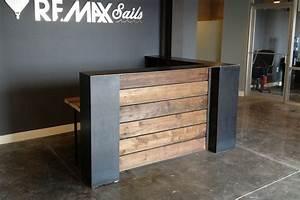 Remax Sails Reception Desk