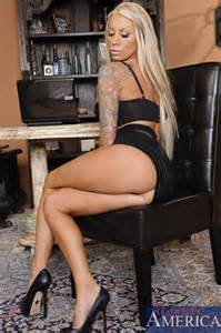 lolly ink spread her legs for her boss milf fox