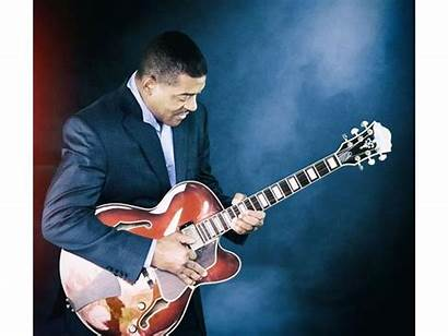Ronny Smith Guitarist Play