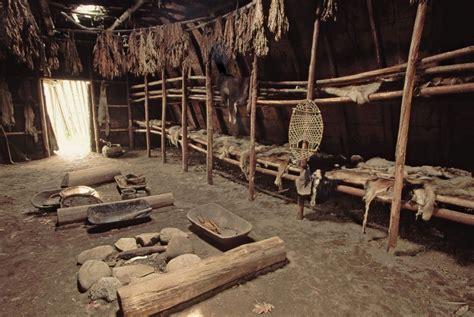 Haudenosauneeiroquois Longhouse Interior Eastern