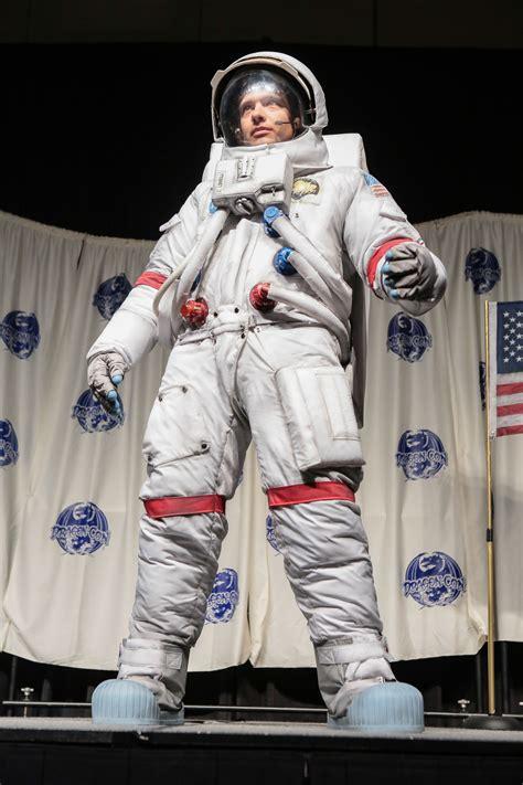 Historically accurate astronaut Apollo 13 costume at ...