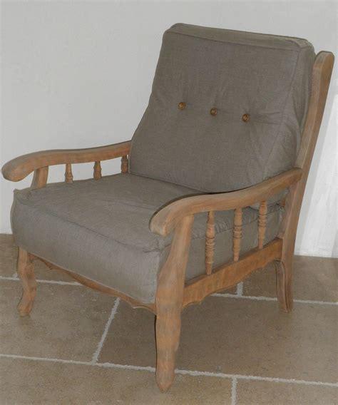 fauteuil ancien en bois gris 233 relook 233 couleur ficelle d 233 houssable valeyrie cr 233 ation