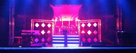 diamondsa stages  friend church stage design ideas