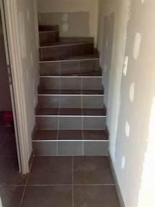 Avec Quoi Recouvrir Un Escalier En Carrelage : escalier en carrelage rattraper finition escalier carrelage choisir un carrelage d 39 escalier ~ Melissatoandfro.com Idées de Décoration