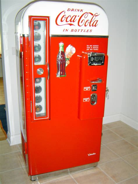 Grab some of the most sturdy coca cola dispensers available at alibaba.com with outstanding deals, now! 1950s Coca Cola Vendo 81 Bottle Vending Coke Machine ...