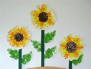 Blumen Basteln Fensterdeko : sonnenblume handabdruck kinderspiele ~ Markanthonyermac.com Haus und Dekorationen