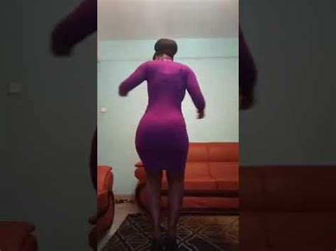 Kenyan Curvy Girl Twerking Her Song Youtube
