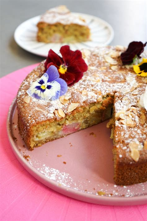 Rabarberu un mandeļu kūka - Lindas Virtuve   Desserts ...